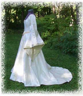 Classic Cotehardie Wedding Gown