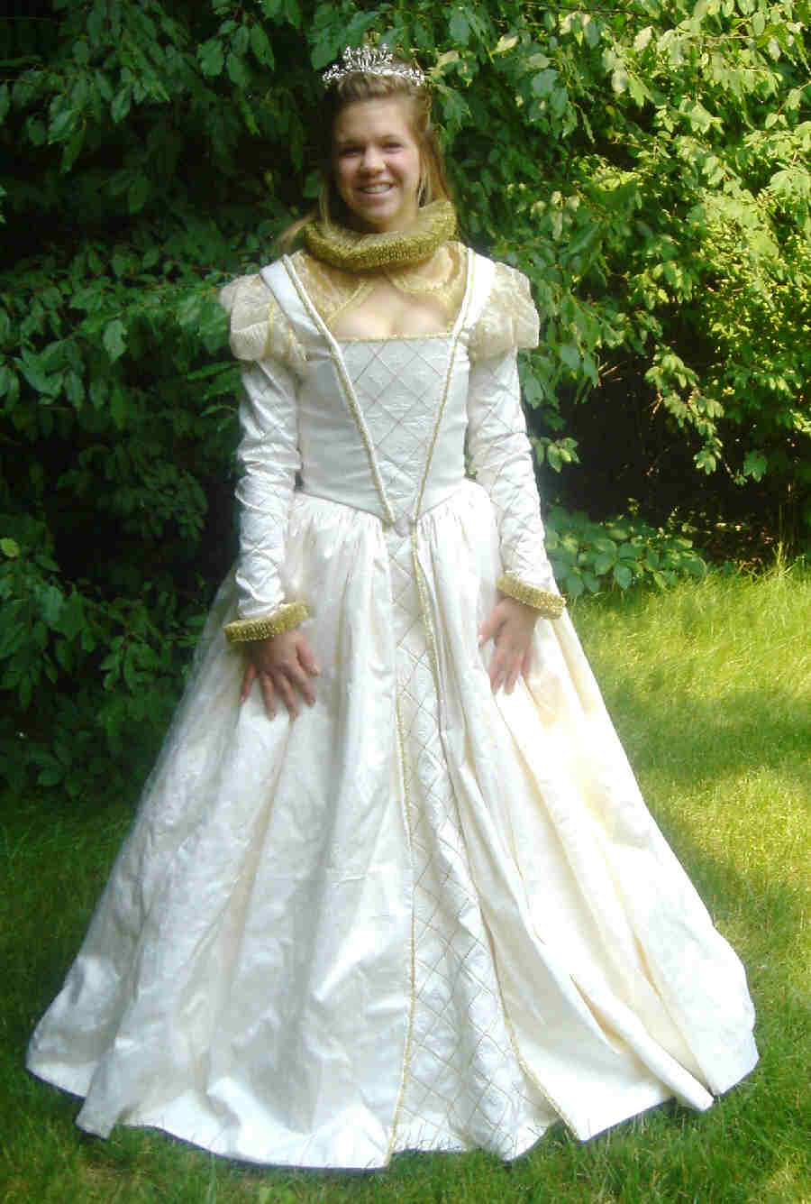 Elizabethan wedding gown for Period style wedding dresses