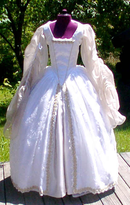 Classic tudor wedding gown for Tudor style wedding dress