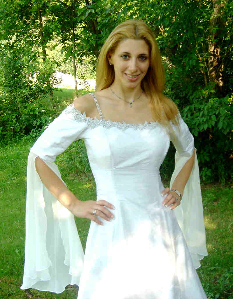 Wedding dresses elven wedding dresses for Elven inspired wedding dresses